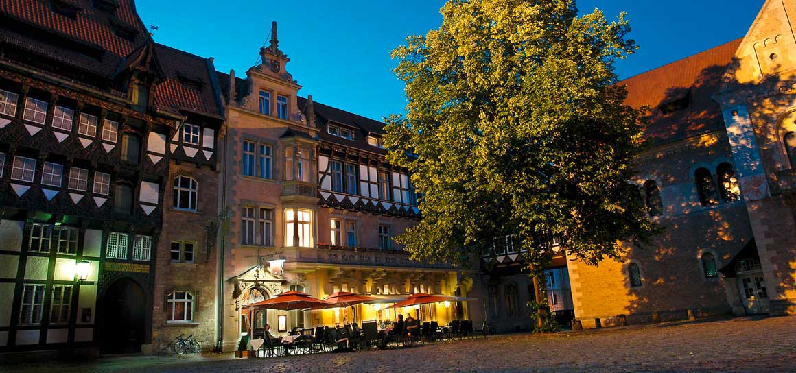 Al Duomo Italian restaurant in the Hotel Deutsches Haus